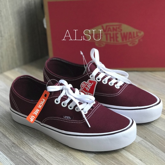 5472b59450 NWT VANS Authentic Lite Canvas Port Royal Women s